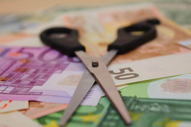 hitelkiváltás vagy adósságrendezés?