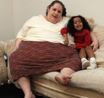 A Világ Legkövérebb Anyukája – Elrettentő Hírek a Nagyvilágból