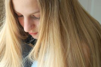 Hajápolási Tippek a Nyári Időszakra – Így Védd a Hajad!